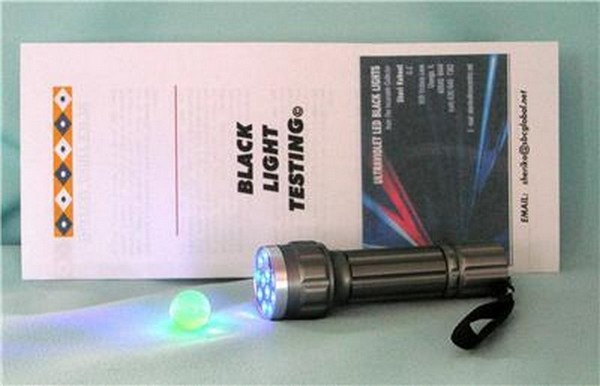 Photo of LW UV Light