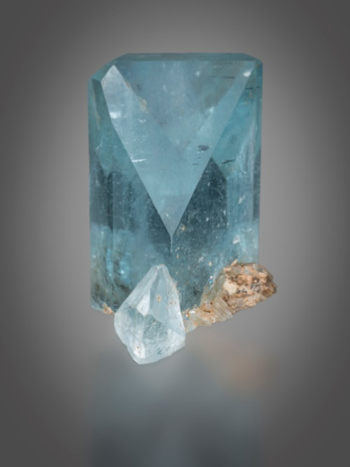 Blue Topaz: Little Three Pegmatite (photo © Robert Weldon/GIA)