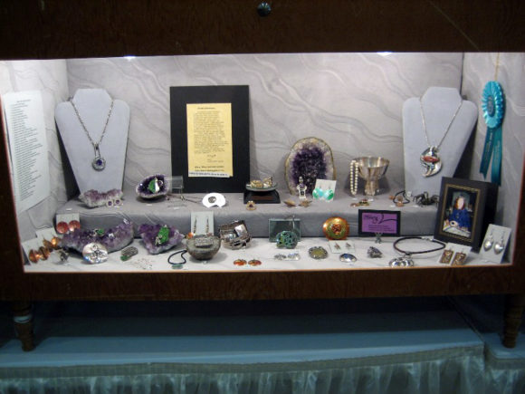 Sharing your hobby or craft in a gem show display case is a great way to get both exposure and feedback on your creations.